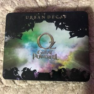 URBAN DECAY LIMITED EDITION OZ PALETTE
